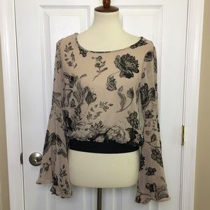 FOREVER 21 Bell Sleeve Top Blouse Floral XS